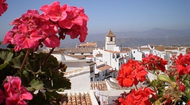 El techo de Málaga, Canillas de Aceituno llega a #PaseandoporlaAxarquía