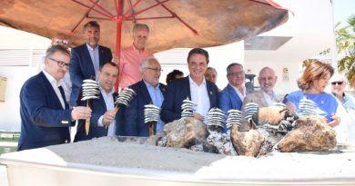 La candidatura del espeto de sardinas como Patrimonio Cultural Inmaterial de la Humanidad de la UNESCO suma apoyos