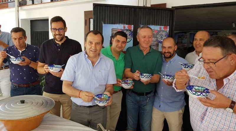 La Fiesta del Gazpacho impulsa la economía local de Alfarnatejo