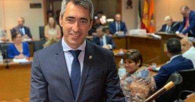 Un Pleno marcado por el discurso faltón del PP en Benalmádena