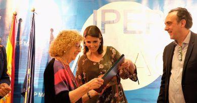 alumna del IPEP obtiene el bachillerato con 84 años
